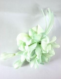 柔らか色のコサージュ(グリーン)