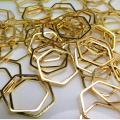 ブラスパーツ コンポーネント ヘキサゴン6角形チャーム(20mm)幾何学・ジオメトリックアクセサリー(真鍮・ゴールドカラー)(25個)
