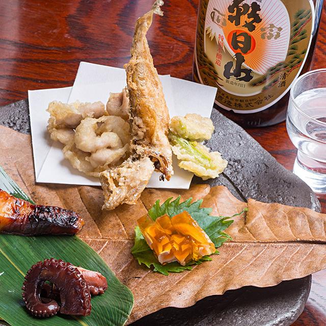 和食を引き立てる日本酒「朝日山 百寿盃」