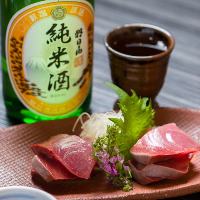 お刺身と純米酒「朝日山」
