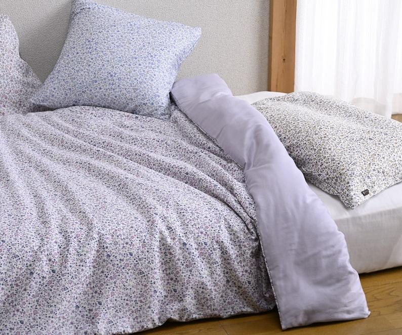 しっとりソフトな肌触り!上質な綿100%のサテン生地で小花とリーフを一面に散りばめた上品なデザイン!!掛けふとんカバー「フランソア」シングルサイズ