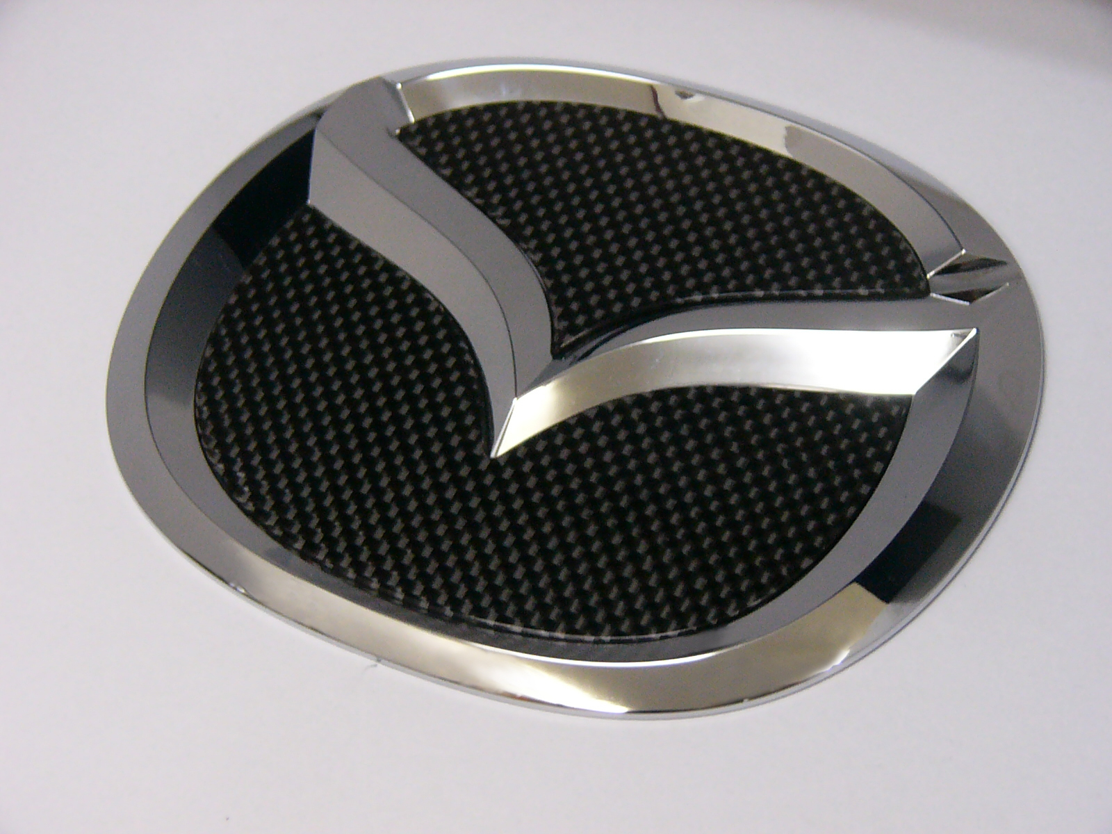 MAZDA CX7・MPV・プレマシー専用リヤエンブレムカーボンフィニッシャー