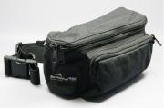 ブッシュウォーカー(BUSHWALKER) トレーナーズバッグ SMALL BELT BAG (黒) W230 x D95 x H115