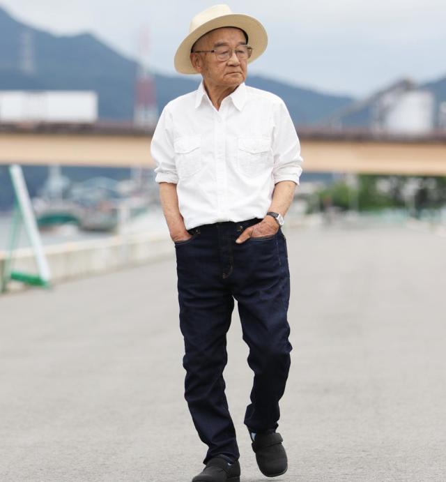 プラスパッドジーンズ (Plus-pad jeans)