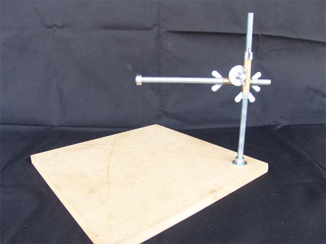 Adjustable Sculptureスタンド BM01