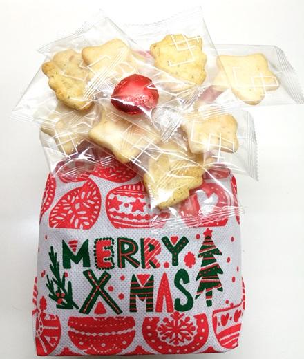 2018クリスマスバッグ白中身