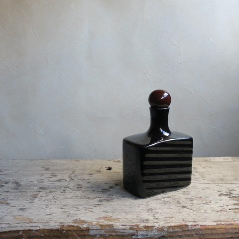 【Vintage/ヴィンテージ】香水瓶/フラワーベース スクエア