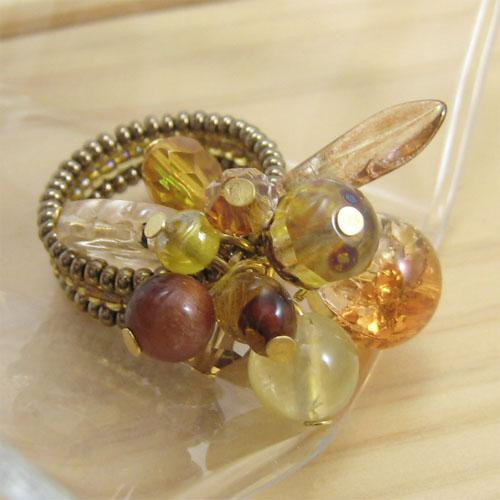 バーグ限定 手作り雑貨 ビーズアクセサリー リング 木の実のリング