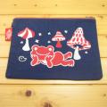 カエルのピクルス(かえるのピクルス) コットントートバッグシリーズ ピクルス 刺繍 クラッチバッグ ネイビー きのこ