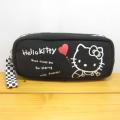 サンリオ ハローキティ(Hello Kitty) 45thモノトーンシリーズ スクエアポーチ/ブラック
