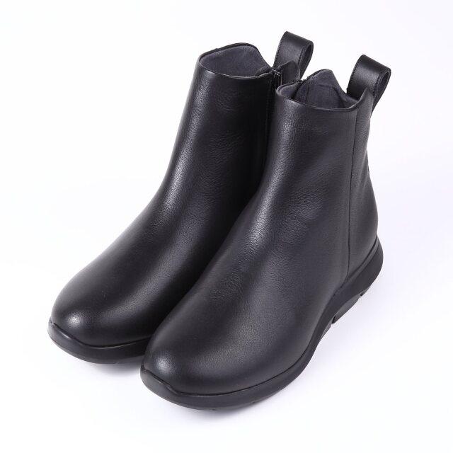VITA NOVAカジュアルショートブーツ ブラック