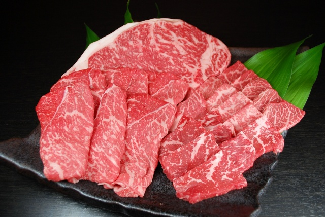 熊本あか牛 サーロインステーキ300g・すき焼き用300g・焼肉用300gセット(送料無料)