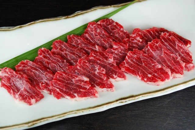 馬肉 加熱用(100g)