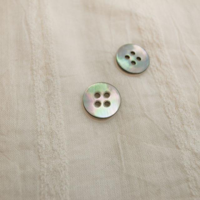 【丸型(定番)】黒蝶貝ボタン#00100 4穴11.5mm