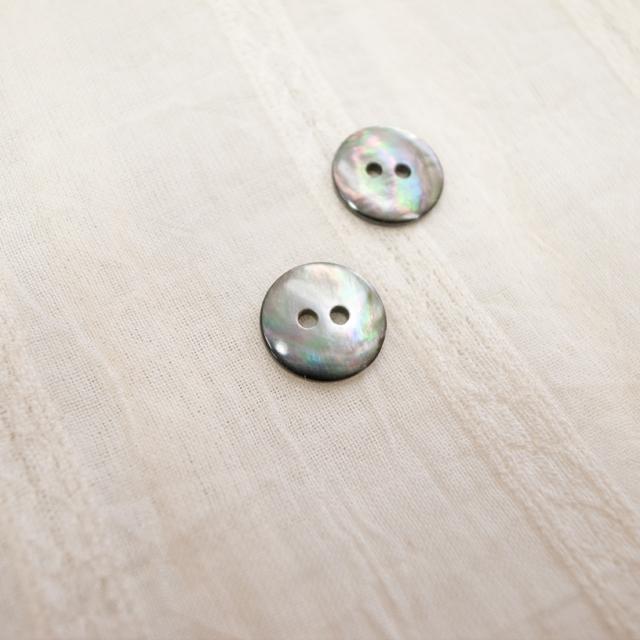 【丸型(定番)】黒蝶貝 貝ボタン#00150 2穴 11.5mm