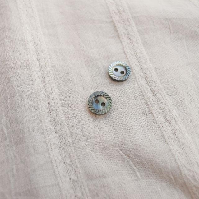 【丸型(定番 縄目)】黒蝶貝ボタン#00220 2穴9mm
