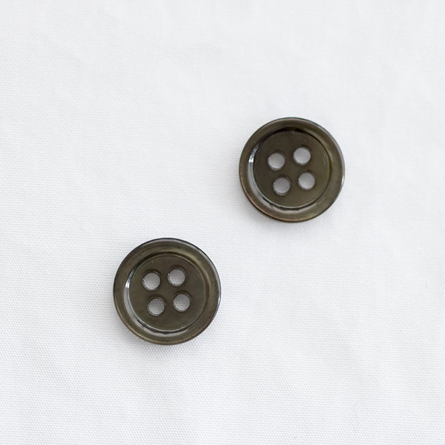 黒蝶貝ボタン 染色ボタン
