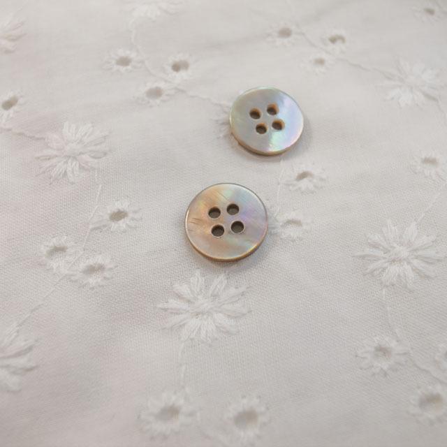 【丸型(定番)】茶蝶貝ボタン#00100 4穴11.5mm