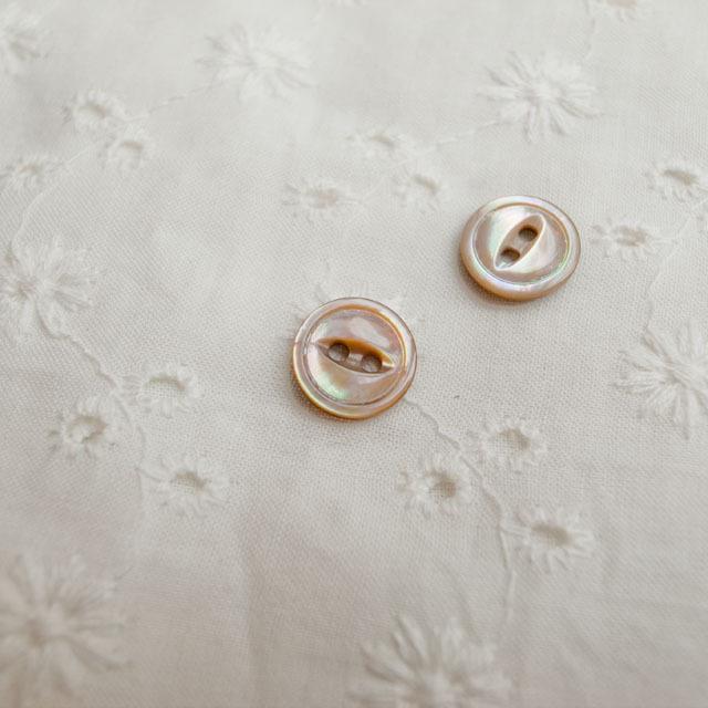 【丸型(デザイン キャッツアイ)】茶蝶貝ボタン#bt038 2穴10mm