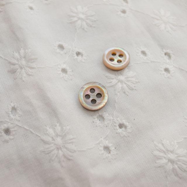 【丸型(定番 シンプルデザイン)】茶蝶貝ボタン#bt137 4穴9mm
