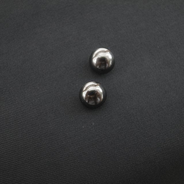 シンプルメタルボタン
