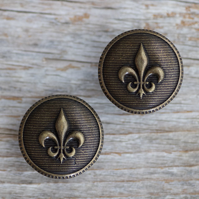 ユリの紋章ボタン