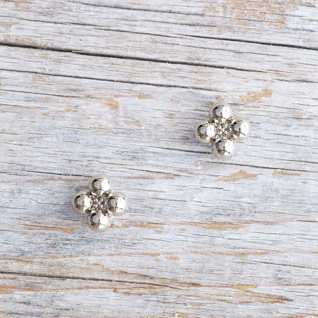 【花の形のボタン】スモールメタルボタン #BT250 1穴 9mm C/#UG ゴールド