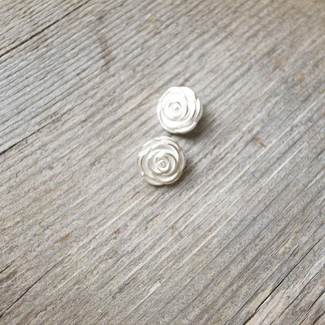 お花 メタルボタン
