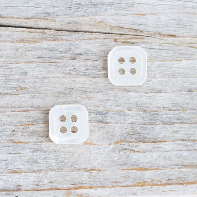 【四角いボタン】高瀬貝ボタン#bt039 4穴10mm