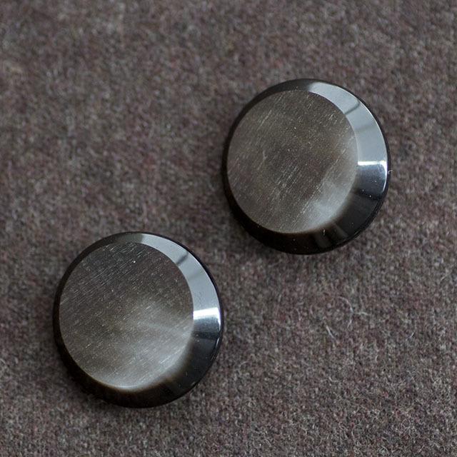 コートボタン