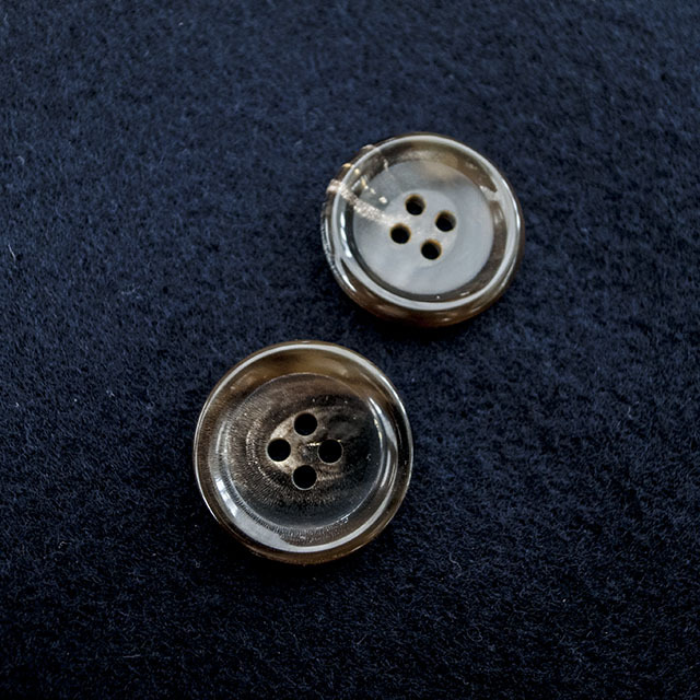 本水牛ボタン