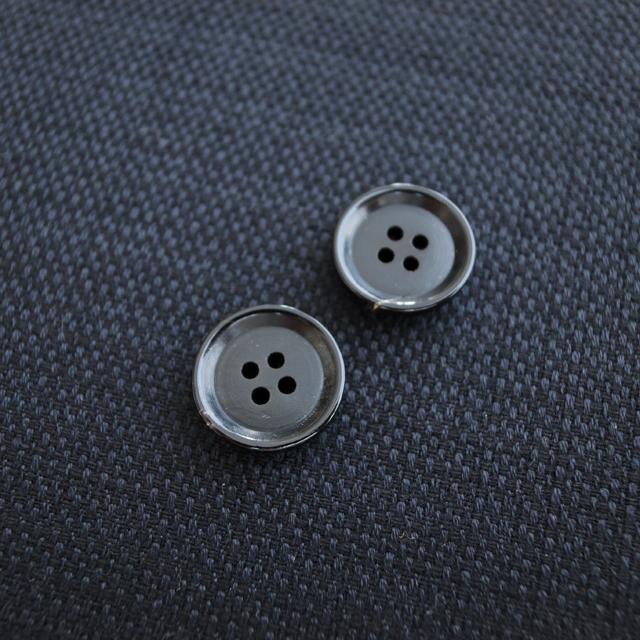 【厚みのある形(CORO)】本水牛ボタン#COROHORN 4穴14mm C/#B【ブラック】