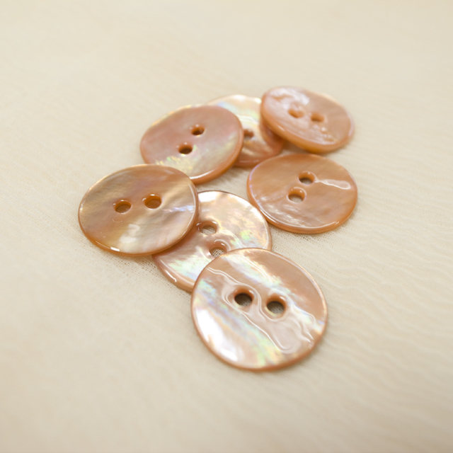 【丸型(染めボタン 皿型)】アコヤパールシェル 貝ボタン#00104 2穴15mm C/#apricot