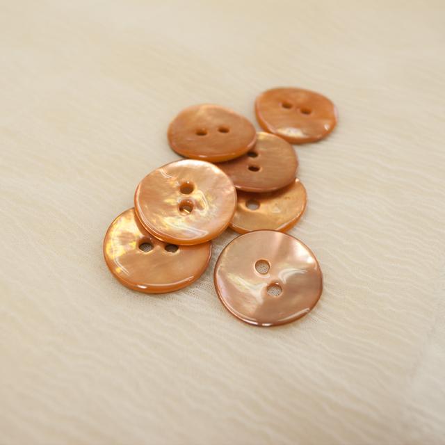 【丸型(染めボタン 皿型)】アコヤパールシェル 貝ボタン#00104 2穴15mm C/#caramel