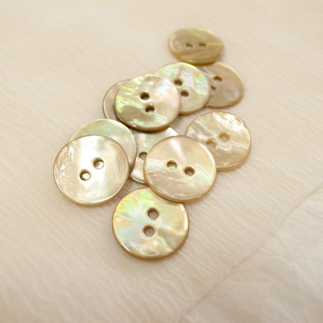 【丸型(染めボタン 皿型)】アコヤパールシェル 貝ボタン#00104 2穴15mm C/#lime