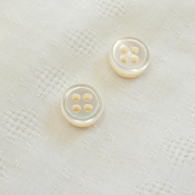 【厚みのあるボタン(4mm厚)】高瀬貝貝ボタン#00017 4穴11.5mm