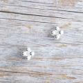 【花の形のボタン】スモールメタルボタン #BT250 1穴 8mm C/#AS ホワイト
