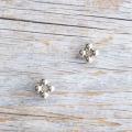 【花の形のボタン】スモールメタルボタン #BT250 1穴 8mm C/#UG ゴールド