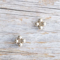 【花の形のボタン】スモールメタルボタン #BT250 1穴 10mm C/#UG ゴールド