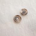 【厚みのある形(CORO)】本水牛ボタン#COROHORN 4穴14mm C/#MB【モカベージュ】