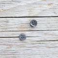 高瀬貝ボタン