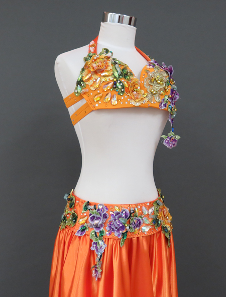 オレンジ衣装
