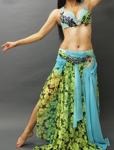 花柄とエメラルドグリーンのベリーダンス衣装1 ミラーナ