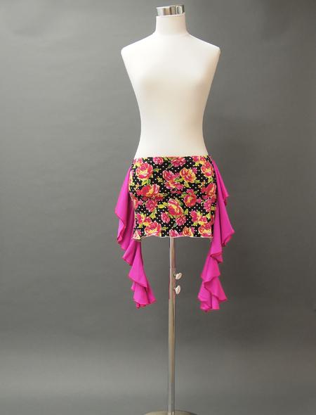 黒ベースピンクフリル花柄ヒップスカーフ衣装