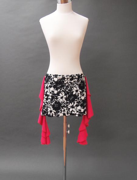モノトーン花柄ピンクフリルヒップスカーフ