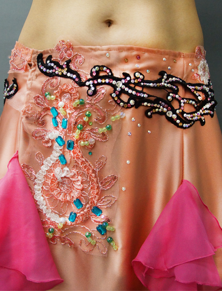 ロゼシャンパンのようなピンクベリーダンス衣装3 ミラーナ