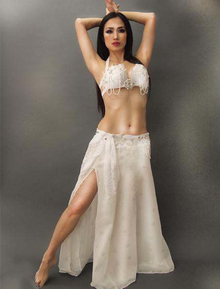 ホワイトベリーダンス衣装1 ミラーナ