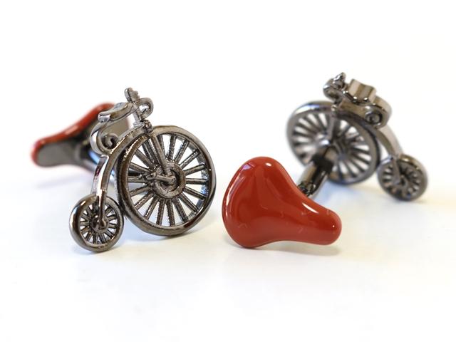 自転車カフス,カフスボタン 自転車モチーフ,カフリンクス,自転車柄,メンズ,結婚式,carrs,おもしろい レトロ アンティーク だるま