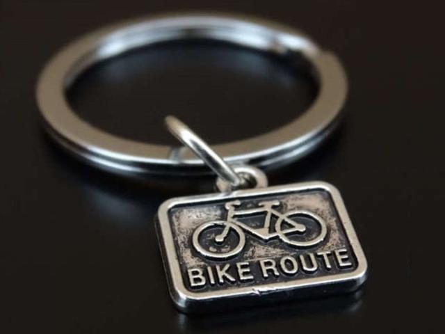 自転車 キーホルダー おしゃれ メンズ レディース キーリング 小さめ かわいい 自転車モチーフ ロードバイク バッグチャム 自転車柄