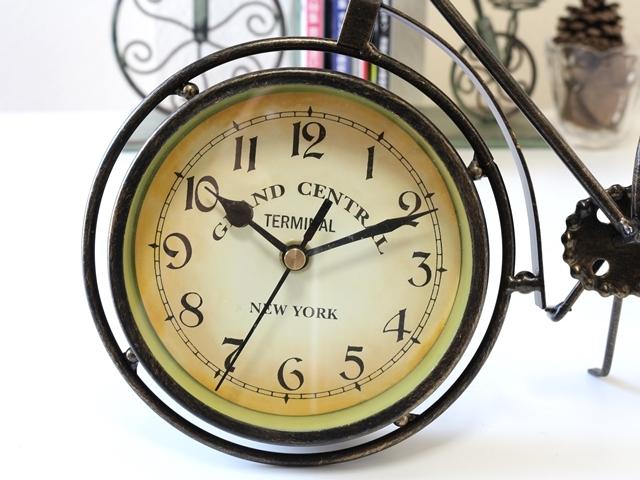 アンティーク 自転車 モチーフ オシャレな 置時計 アイアン製 レトロ風 インテリア 雑貨 輸入 海外 おしゃれ 時計 置き時計 北欧